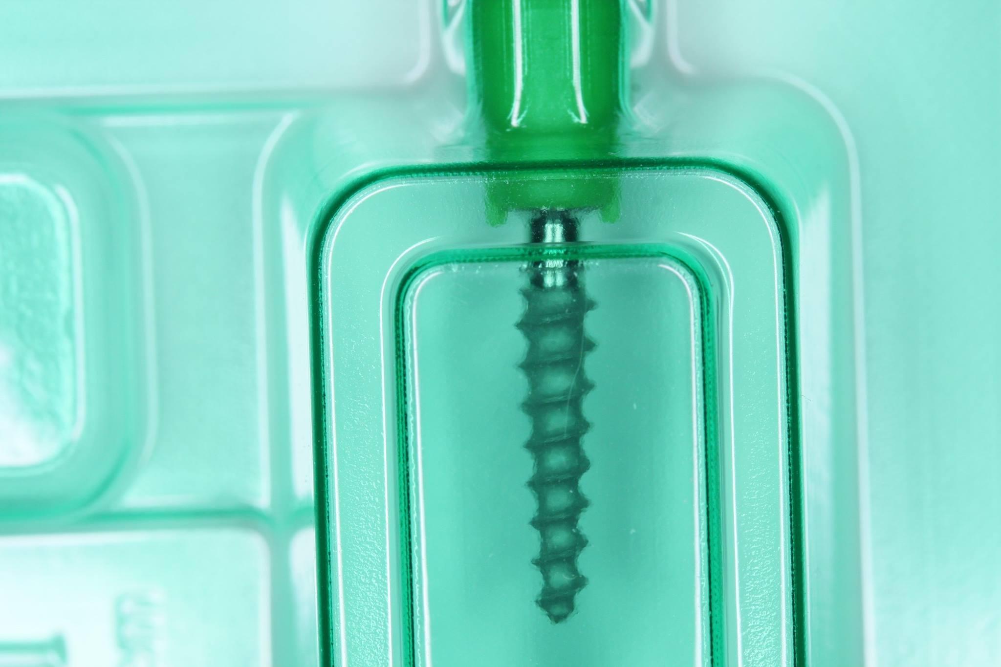 Roott implantes de compresión.
